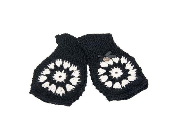 Granny Black & White Mittens
