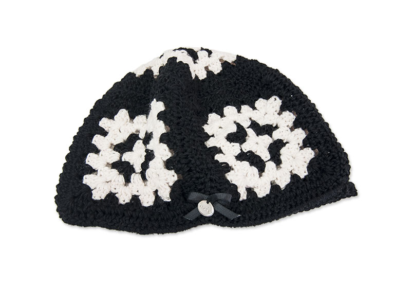 Granny Black & White Hat